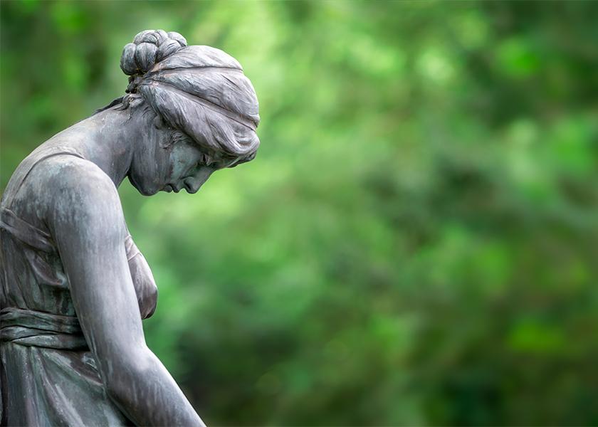Trauernde Statue als Panorama Hintergrund